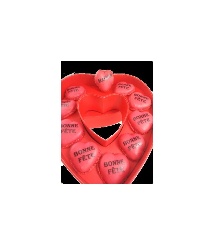 Image Avec Des Coeur une boite coeur avec des macarons en forme de coeur ! génial !