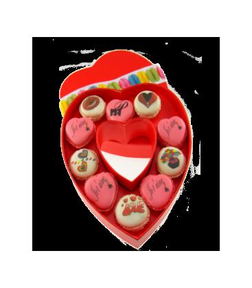 coffret coeur 10 macarons en forme de coeur personnalisés